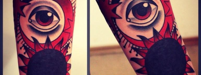 Художественная татуировка «Солнце». Мастер Денис Марахин.