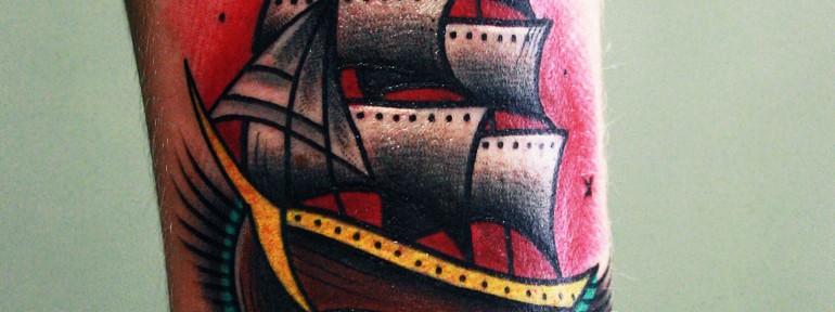 Художественная татуировка «Корабль» от мастера Вовы Snoop'а.