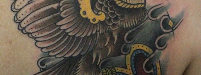 Перекрытие старой татуировки совой от Данилы-Мастера
