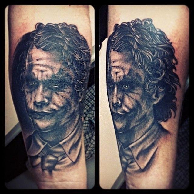 Художественная татуировка «Джокер», портрет в исполнении Валеры Моргунова.