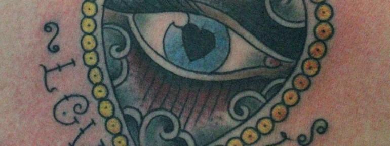 Художественная татуировка «Love Life» от Данилы-Мастера