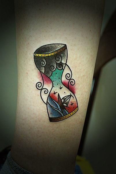 Художественная татуировка «Песочные часы» от Вовы Snoop'а.