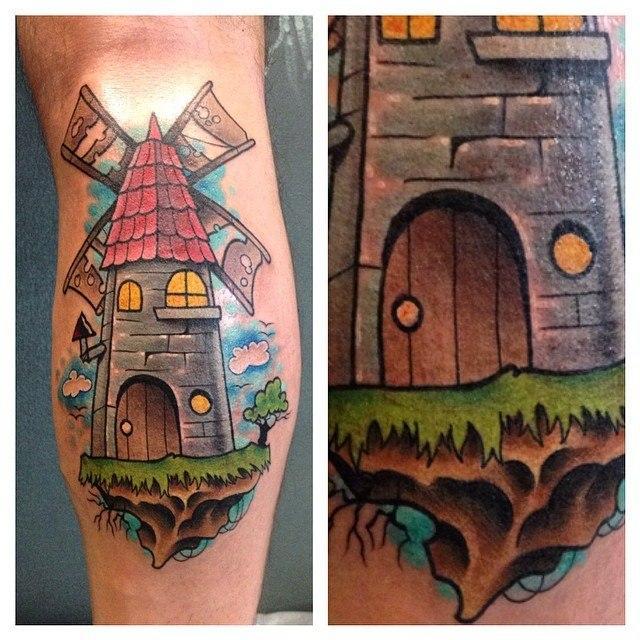Художественная татуировка «Мельница» от Алесандра Соды