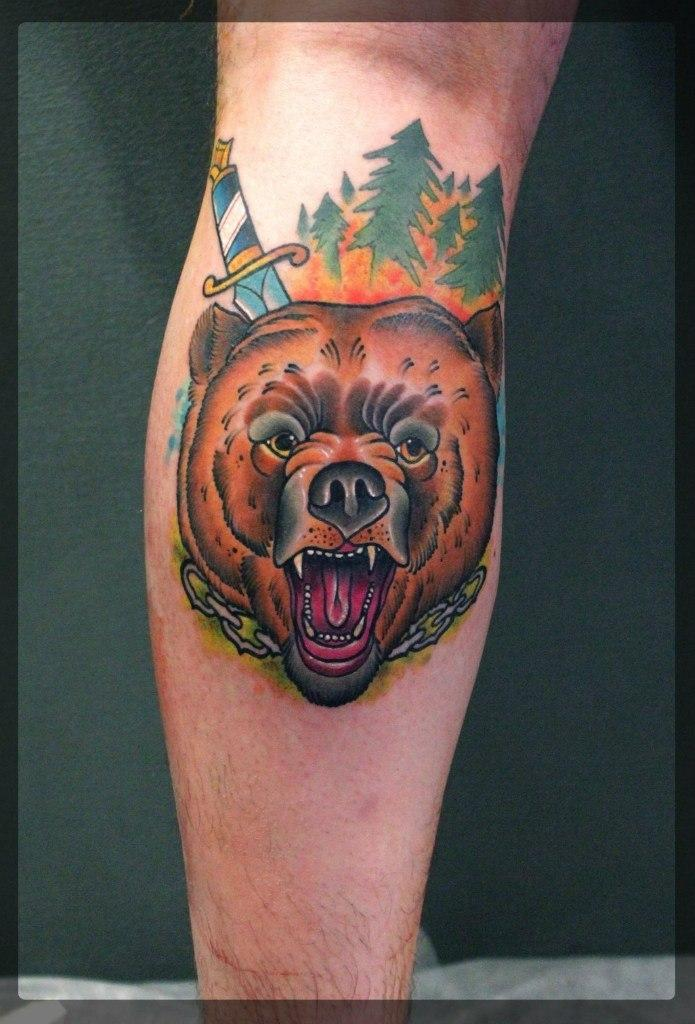 Художественная татуировка «Медведь». Мастер Александр Сода.