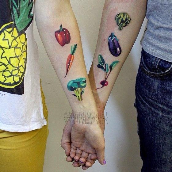 Парная художественная татуировка «Вегетарианство». Мастер Саша Unisex.