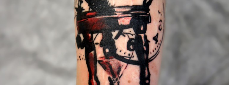 Художественная татуировка «Часы» от Александра Морозова