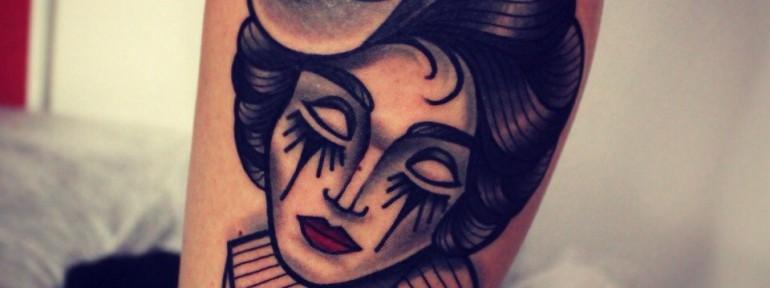 Художественная татуировка «Девушка». Мастер Денис Марахин.