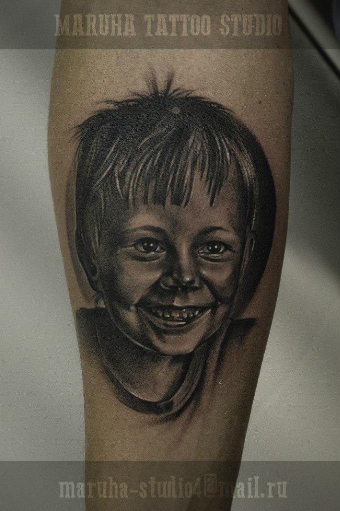 Портрет ребёнка от мастера художественной татуировки Валеры Моргунова.