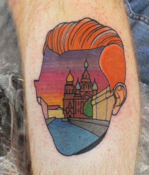 Художественная татуировка «Мужчина. Канал Грибоедова». Мастер Саша Новик.