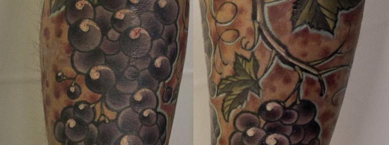 Художественная татуировка «виноградная лоза» от мастера Валеры Моргунова.