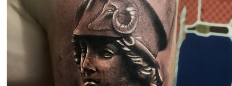 Художественная татуировка «Афина». Александр Морозов