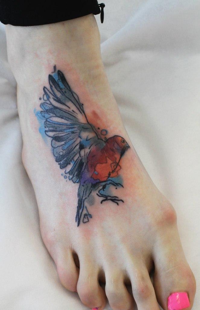 Художественная татуировка «Птица». Мастер Саша Новик.