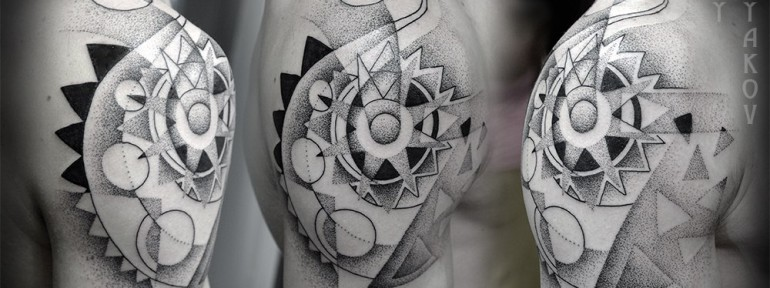 Художественная татуировка «Геометрия» от Юрия Полякова
