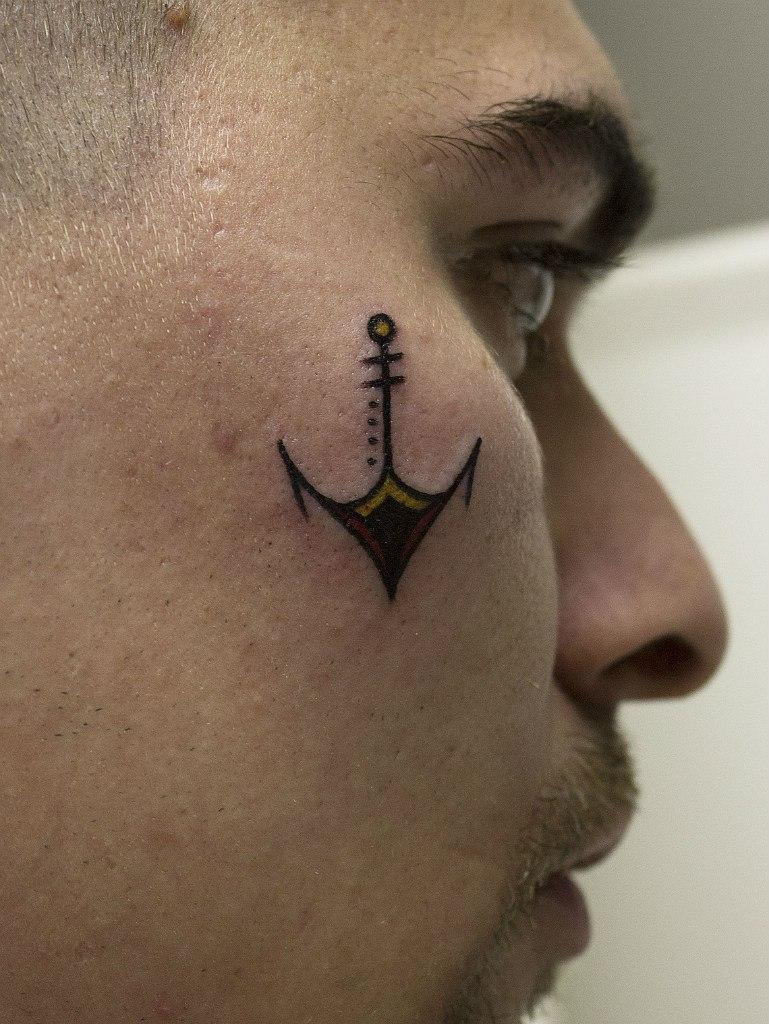 Художественная татуировка «Якорь». Мастер Вова Snoop.