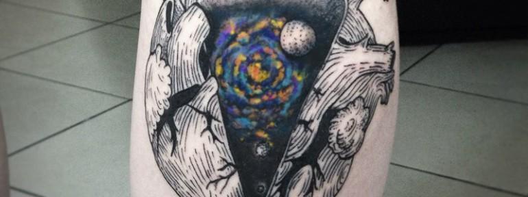 Художественная татуировка «Космическое сердце» от Инессы Фиолетовый Кефир
