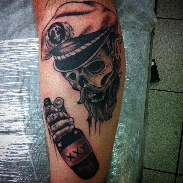 Художественная татуировка «Капитан». Мастер Евгений Химик.