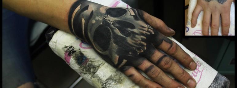 Художественная татуировка-перекрытие «Череп» от Сергея Хоррора.