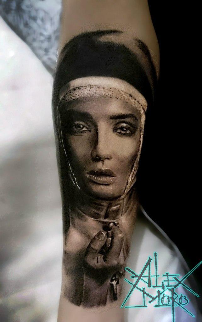 Художественная татуировка «Монахиня» от Александра Морозова