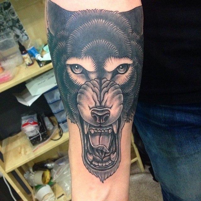Художественная татуировка «Волка». Мастер Павел Заволока.