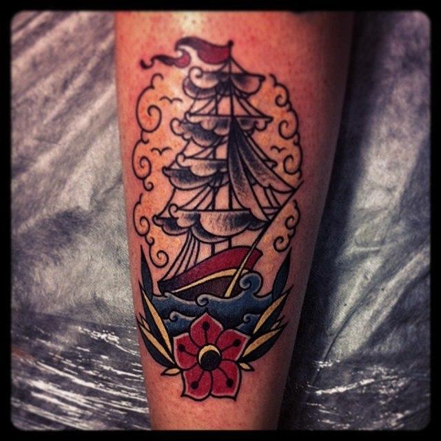 Художественная татуировка «Корабль» от Валеры Моргунова