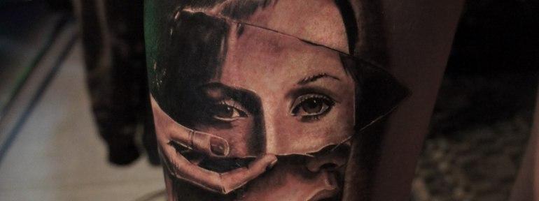 Художественная татуировка «Осколок». Мастер Александр Морозов