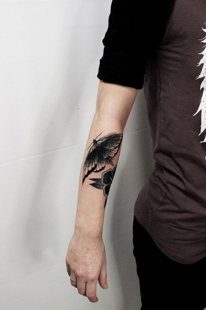 Художественная татуировка «Мотылёк». Мастер Вова Snoop.