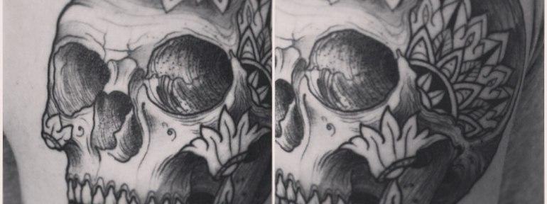 Художественная татуировка «Череп». Мастер Саша Новик.