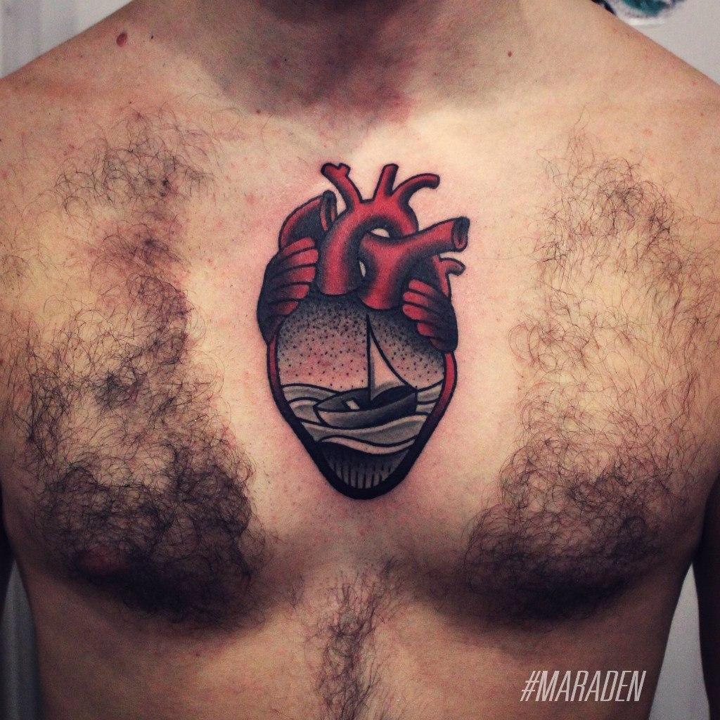 тату под сердцем