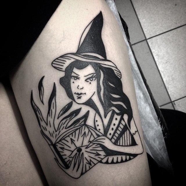 Художественная татуировка «Ведьма». Мастер Таня Lika.