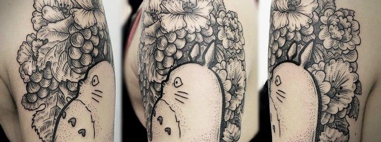 Художественная татуировка «Тоторо». Мастер Инесса Кефир.