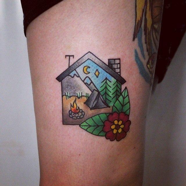 Художественная татуировка «Дом-путешествие». Начинающий мастер Настя Стриж.