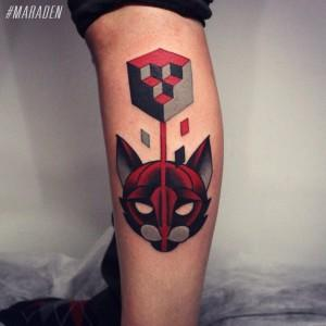 Художественная татуировка «Кот с кубом». Мастер Денис Марахин. По собственному эскизу. Расположение: голень. Время работы: 3 часа.