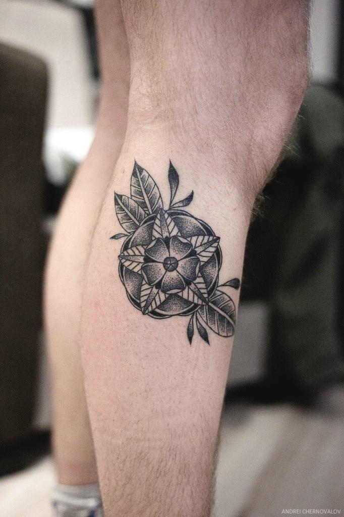 Художественная татуировка «Цветок» от Андрея Черновалова