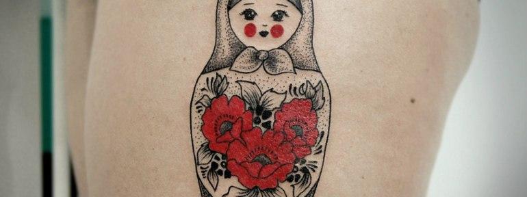 Художественная татуировка «Матрешка». Мастер Инесса Кефир.