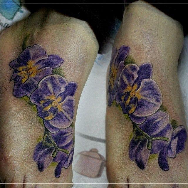 Художественная татуировка «Цветы». Мастер Мария Скляр.