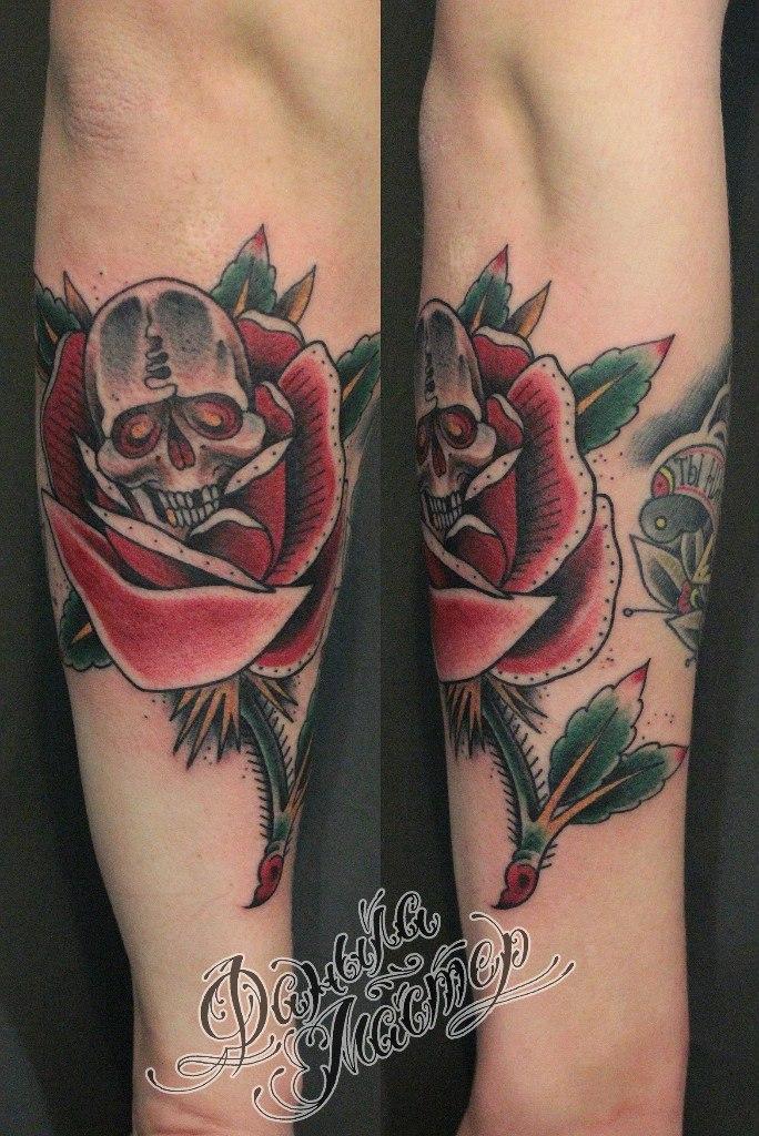 Художественная татуировка «Роза и череп» от Данилы-Мастера
