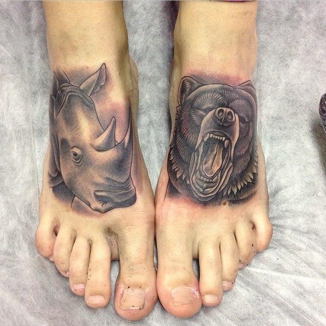 Художественная татуировка «Носорог и медведь». Мастер Павел Заволока.