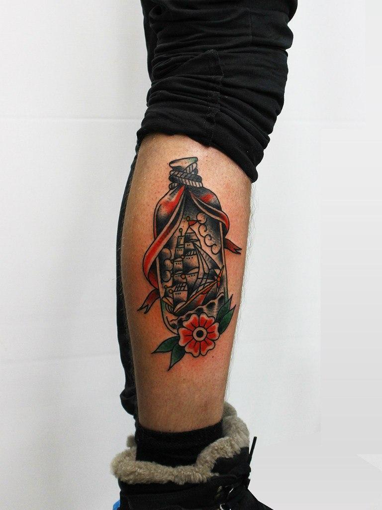 Художественная татуировка «Бутылка». Мастер Евгений Константинов.
