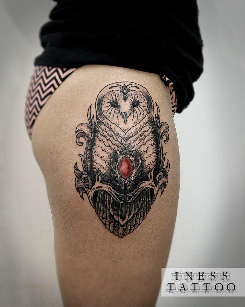 Художественная татуировка «Сова». Мастер Инесса Кефир. По собственному дизайну. Расположение: бедро. Время работы: 4 часа.