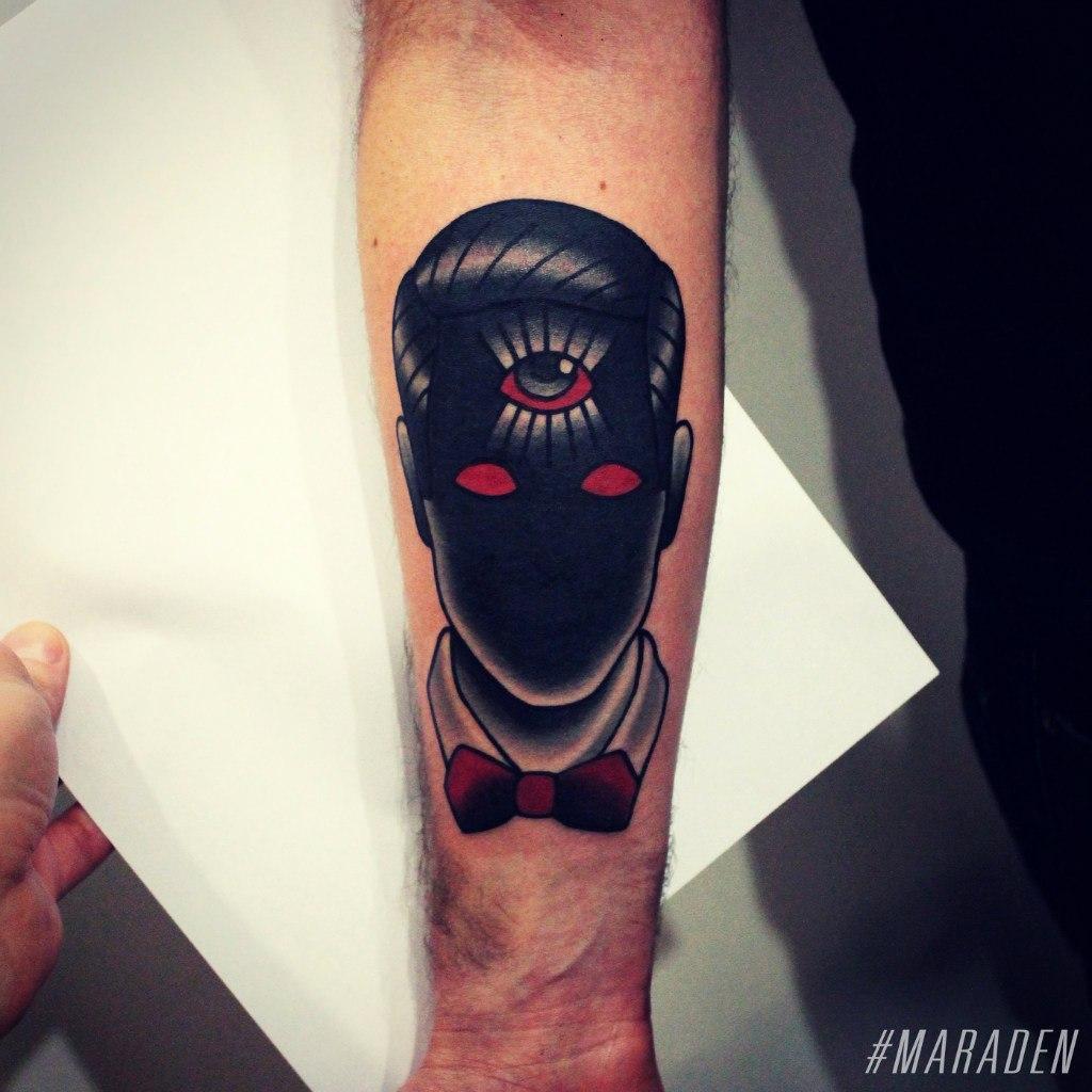 Художественная татуировка «Лицо». Мастер Денис Марахин. По собственному эскизу. Расположение: предплечье. Время работы: 3 часа.