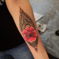 Художественная татуировка «Онамет с розой». Мастер  Настя Стриж. По собственному дизайну. Расположение: предплечье. Время работы 1,5 часа.