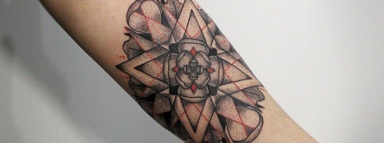 Художественная татуировка «Мандала». Мастер — Инесса Кефир.
