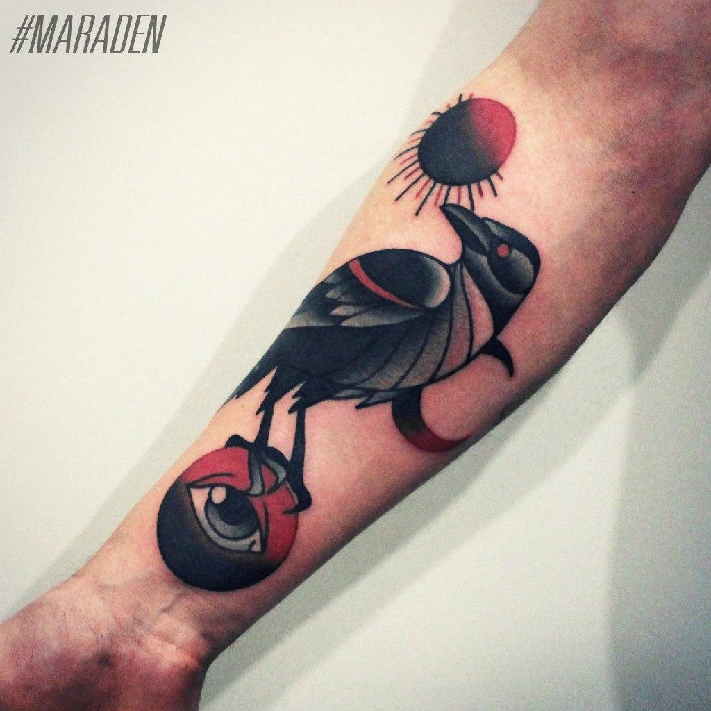 Художественная татуировка «Птица». Мастер — Денис Марахин. Расположение — предплечье. Время работы — 3,5 часа. По собственному эскизу.