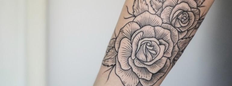 Художественная татуировка «Розы». Мастер Андрей Черновалов.