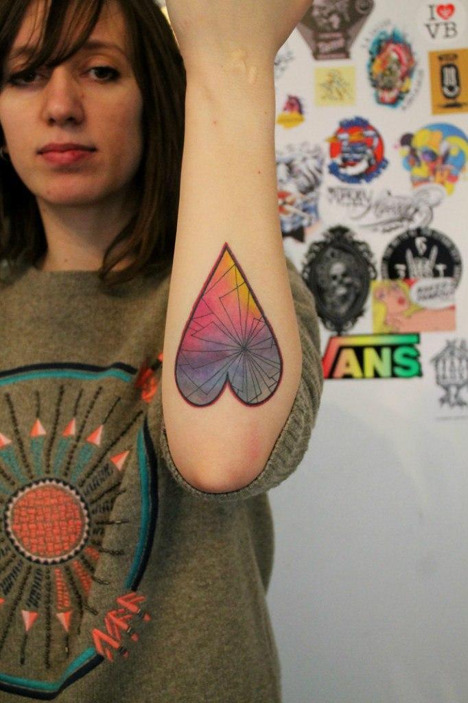 Художественная татуировка «Сердце». Мастер — Саша Новик