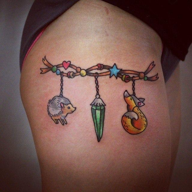 Художественная татуировка «Браслет». Мастер — Настя Стриж.