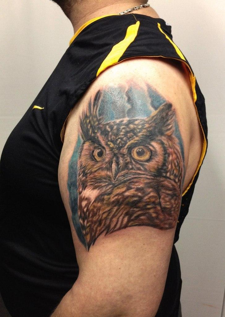 Художественная татуировка «Филин». Мастер Анастасия Енот.
