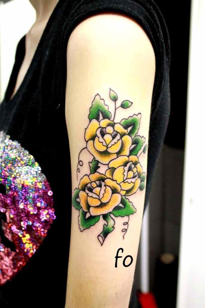 Художественная татуировка «Розы». Мастер Фоля Fo.