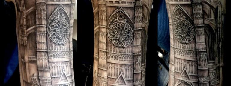 Художественная татуировка «Собор». Мастер — Анна Корь.
