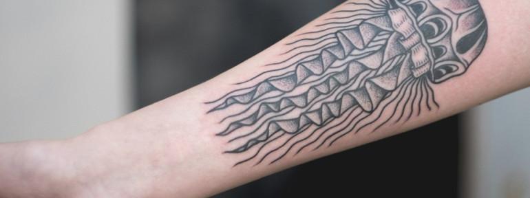 Художественная татуировка «Медуза». Мастер Андрей Черновалов.